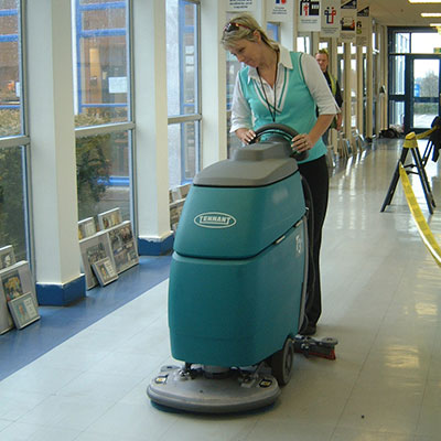 Training for cleaning machines